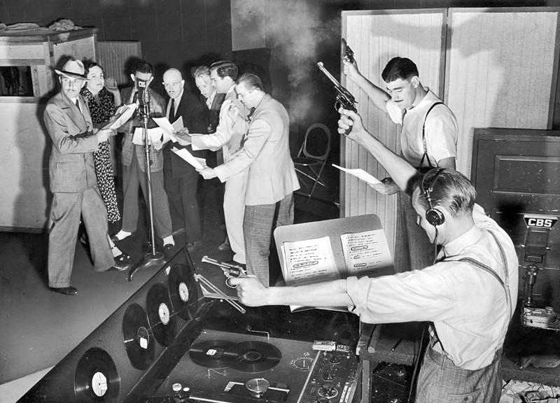 Gang-Busters-radio-show-Gangbusters-radio-program